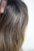 画像14: front lace wig☆ジェンダーレスウェーブロング【根元黒染め×アッシュゴールドグラデ】