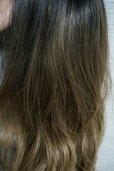 画像18: front lace wig☆ジェンダーレスウェーブロング【根元黒染め×シナモンベージュグラデ】