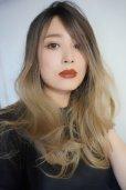 画像12: front lace wig☆ジェンダーレスウェーブロング【根元黒染め×アッシュゴールドグラデ】